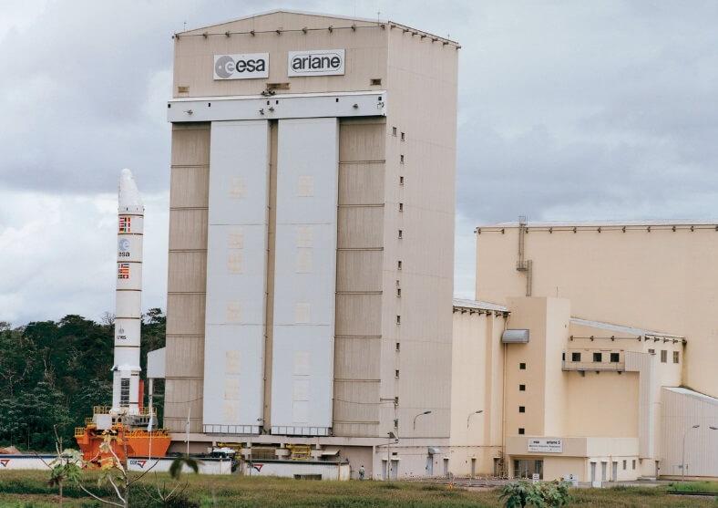 Installation de porte haute étanchéité à joint gonflable Mineur Bécourt Systèmes